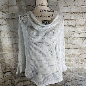 Bisou Bisou size Large Crocheted White Sweater